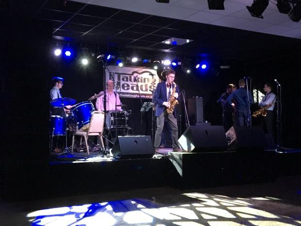 Tuba-libre-saxophone