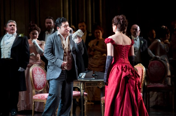 WNO La traviata - Kang Wang (Alfredo), Linda Richardson (Violetta) and WNO Chorus. Photo credit Betina Skovbro - 3805a