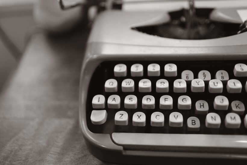 grayscale typewriter