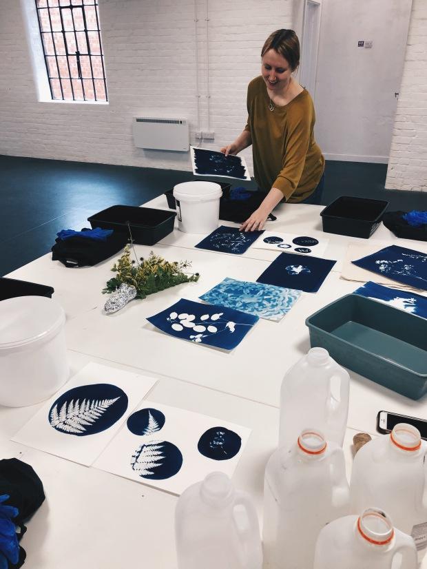 Bex Willis sets up her Cyanotype workshop