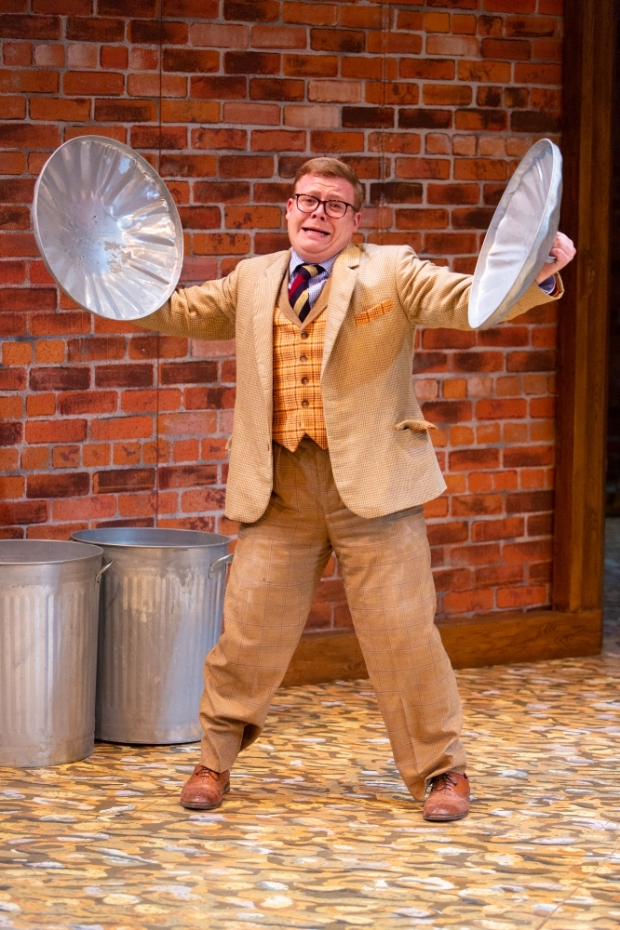 One Man 2 Guvnors Philip Tomlin Photography by [6913]